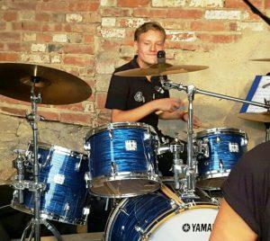Julian Poch am Schlagzeug