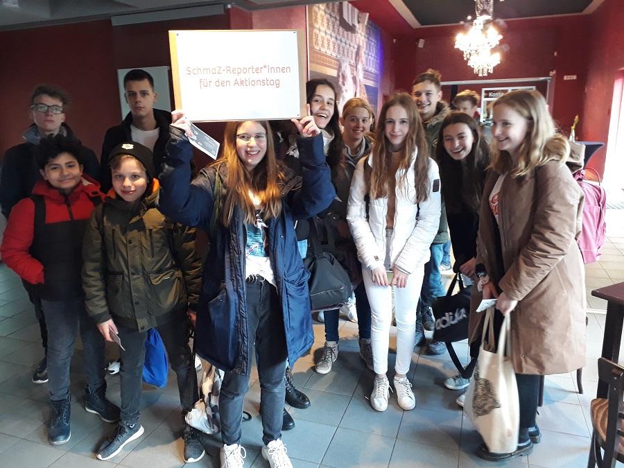 Die Schüler der Klasse 8/2 des Hegel-Gymnasiums nahmen an einem gemeinsamen Aktionstag im Puppentheater teil. Foto: Karin Walter