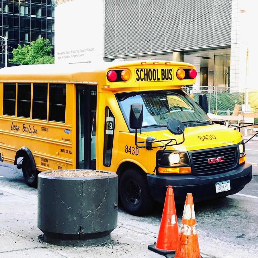Ein amerikanischer Schulbus, von Dr. phil. Juliane Felber